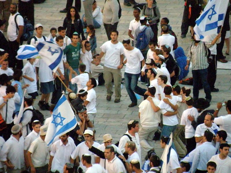ריקוד דגלים